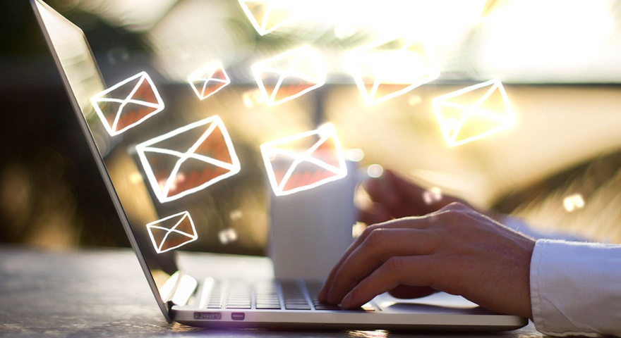 Combina email marketing y redes sociales para fidelizar a tu audiencia